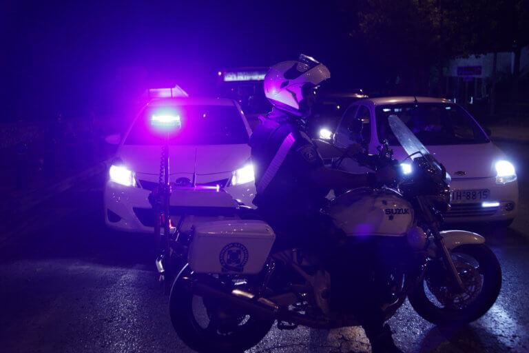 """""""Γκρέμισαν"""" τράπεζα στα Μέγαρα – Το κόλπο με το τηλεφώνημα και η εισβολή με αυτοκίνητο"""