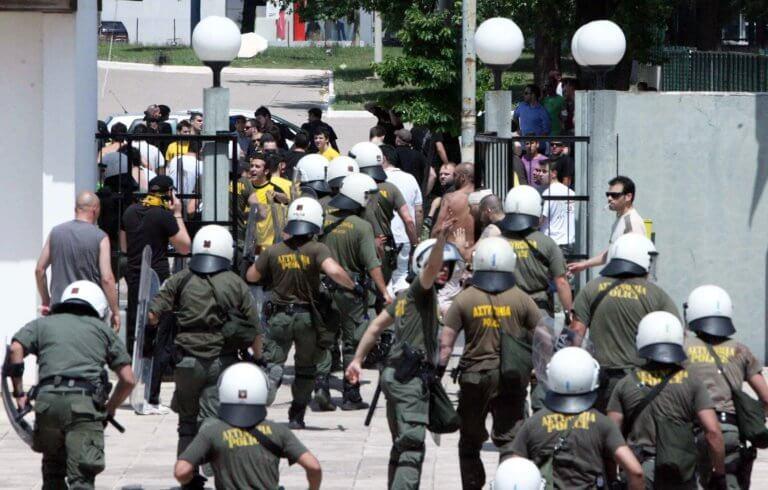 Η αστυνομία σταμάτησε επίθεση οπαδών της ΑΕΚ σε σύνδεσμο του ΠΑΟΚ!