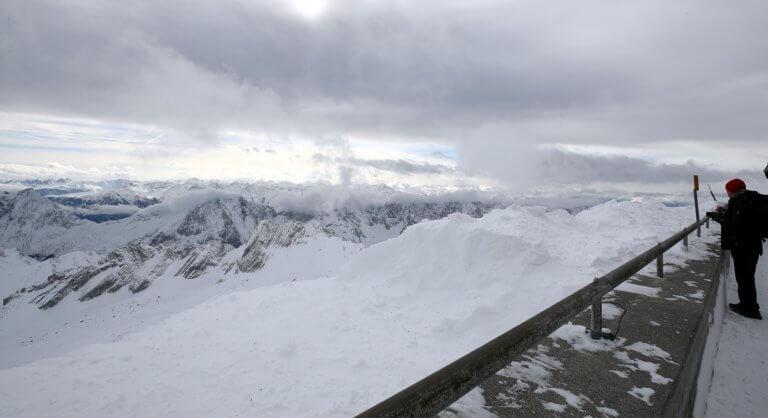 Τραγωδία στις Άλπεις – Τουλάχιστον δέκα σκιέρ σκοτώθηκαν από χιονοστιβάδες