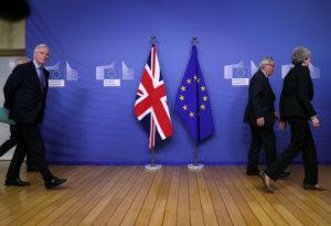 Guardian: Το Brexit μπορεί να καθυστερήσει ως το 2021!