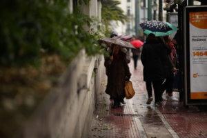 Καιρός: Χιόνια, βροχές και κρύο σε όλη τη χώρα