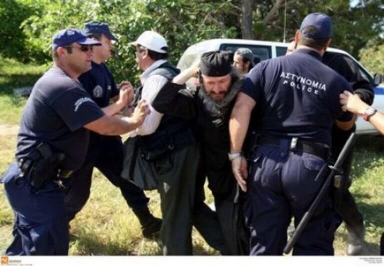 Άγιο Όρος: Ξύλο μεταξύ ΜΑΤ και μοναχών – Δείτε φωτογραφίες από τη Μονή Εσφιγμένου!   Newsit.gr