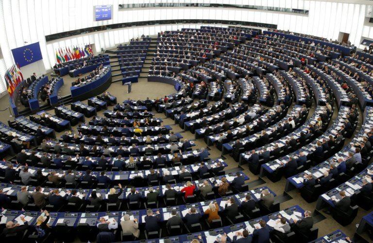 Δημοσκόπηση – Ευρωεκλογές: Η κεντροδεξιά πρώτη στην ΕΕ, ανεβαίνει πολύ η ακροδεξιά