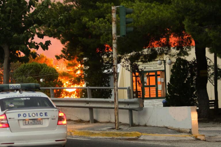 Συγκλονιστικό ντοκουμέντο – Οι συνομιλίες των αστυνομικών την ώρα της καταστροφής στο Μάτι