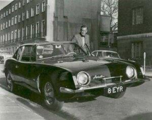 Τζέιμς Μποντ: Στο σφυρί το… τσαρδί του δημιουργού του θρυλικού 007, Ίαν Φλέμινγκ!