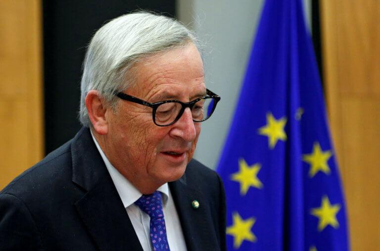 """Γιούνκερ """"αποκηρύσσει"""" Όρμπαν: Δεν ανήκει στο Ευρωπαϊκό Λαϊκό Κόμμα"""