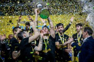 Λαρεντζάκης: «Ο πιο μεγάλος τίτλος στην ιστορία της ΑΕΚ»