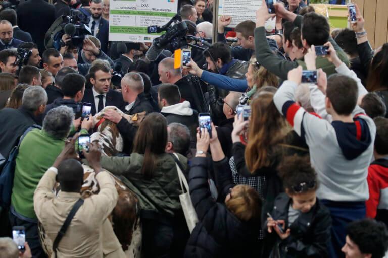 Γαλλία: Μακρόν και οικονομία αφήνουν πίσω τα «κίτρινα γιλέκα» | Newsit.gr