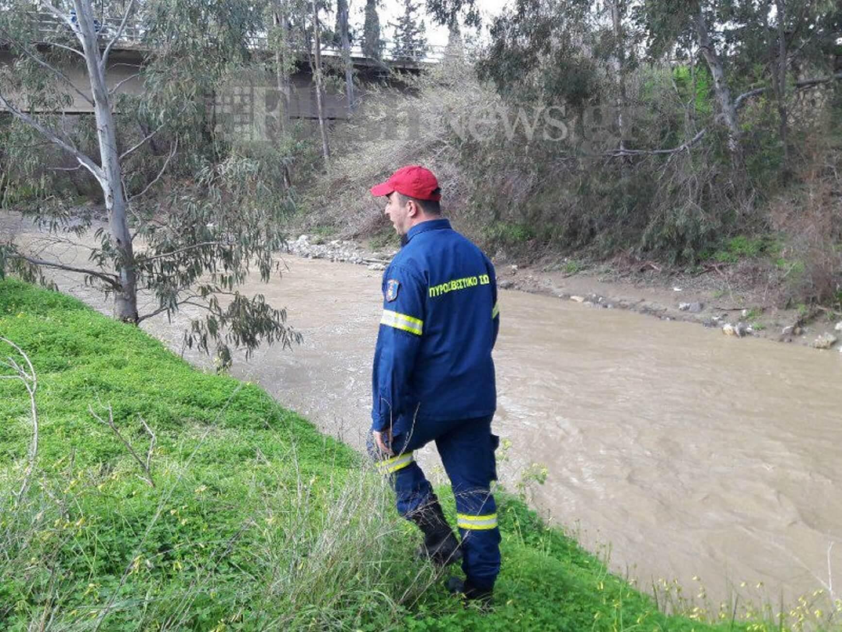 Τα δυο αγωνιώδη τηλεφωνήματα της οικογένειας που αγνοείται στην Κρήτη - «Σώστε μας, πνιγόμαστε» - «Στο 1,5 μέτρο το νερό, αδύνατη η έρευνα»