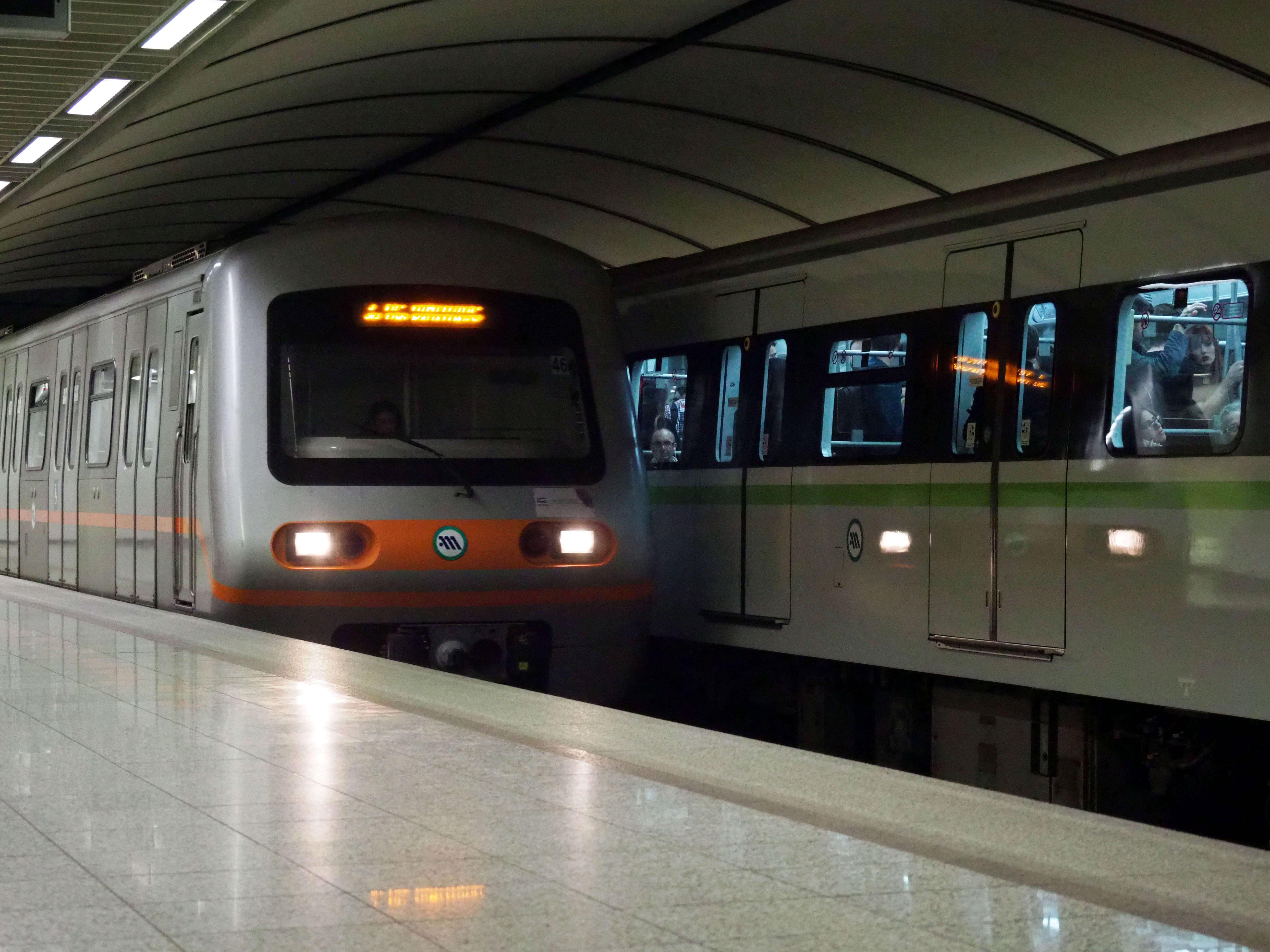 """""""Χειρόφρενο"""" ξανά σε Μετρό και Τραμ – Ποιες ώρες δεν θα λειτουργούν"""