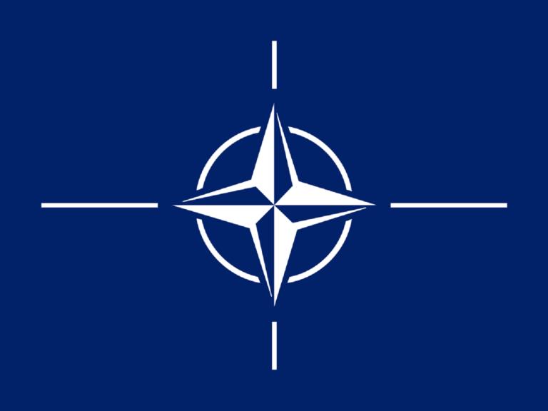 Έπεσαν οι υπογραφές στο πρωτόκολλο για την εισδοχή της Βόρειας Μακεδονίας στο ΝΑΤΟ | Newsit.gr