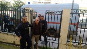 Δημήτρης Κουφοντίνας: Πήγε στα δικαστήρια Βόλου για την άδεια που έχει ζητήσει [pics]