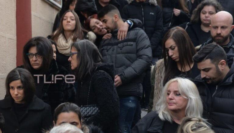 Παντελής Παντελίδης: Μνημόσυνο για τα 3 χρόνια από τον θάνατό του – Τραγική φιγούρα η μητέρα του