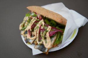 Βουλευτής παραιτήθηκε γιατί έκλεψε σάντουιτς – «Έκανα… κοινωνικό πείραμα»