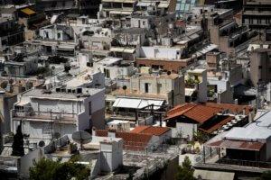 """Προστασία πρώτης κατοικίας με """"χοντρό"""" ψαλίδισμα των δόσεων για τους δανειολήπτες"""