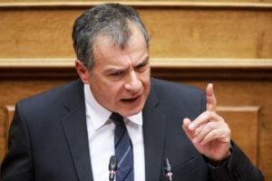 """Θεοδωράκης: Διπλά ανήθικοι οι """"6"""" – Καλύτερα """"Βόρεια Μακεδονία"""" από σκέτο """"Μακεδονία"""""""