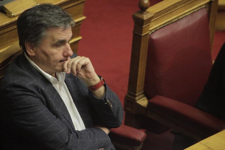 Μαζεύονται ξανά μαύρα σύννεφα πάνω από την ελληνική οικονομία – Γκρίνιες από τους δανειστές | Newsit.gr
