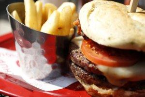 Έρευνα σοκ – Καλπάζουν οι καρκίνοι για τις παχύσαρκες γενιές