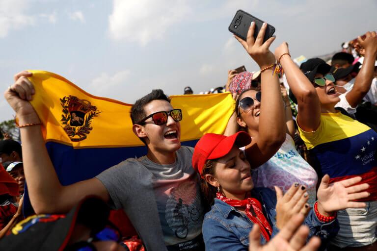 Βενεζουέλα: Δεκάδες χιλιάδες στη συναυλία για την ανθρωπιστική βοήθεια   Newsit.gr