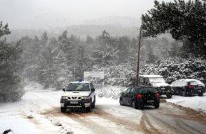 Καιρός: Που χιονίζει τώρα και που χρειάζονται αλυσίδες – Συνεχής ενημέρωση