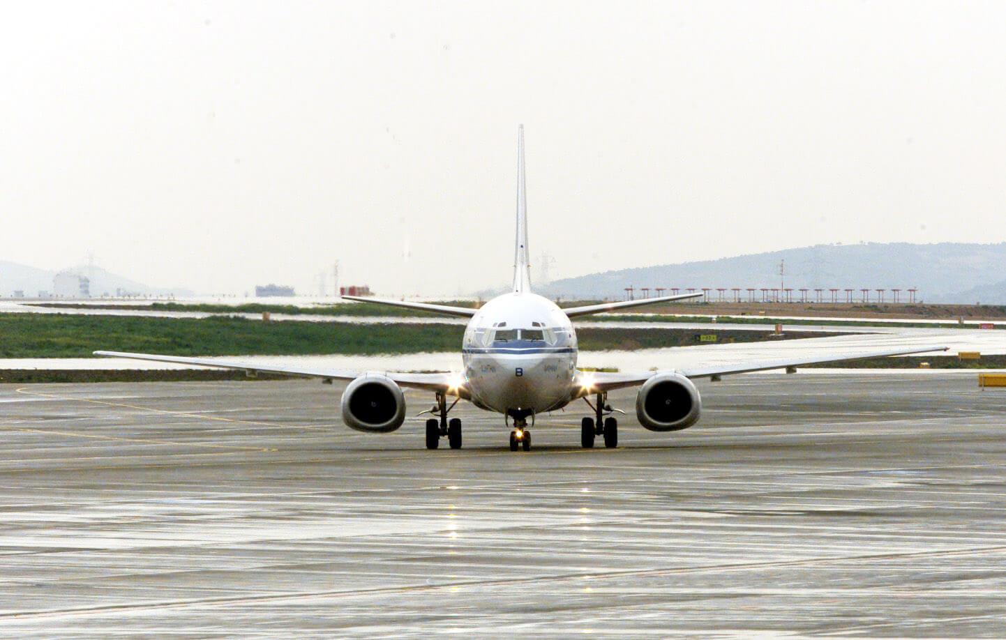 Θεσσαλονίκη: Περιπέτεια στον αέρα για τους επιβάτες 4 πτήσεων – Οι πιλότοι αντιμέτωποι με την κακοκαιρία!