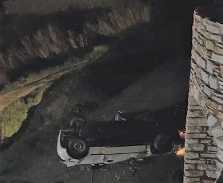 Νάξος: Αυτοκίνητο έπεσε σε γκρεμό και τούμπαρε