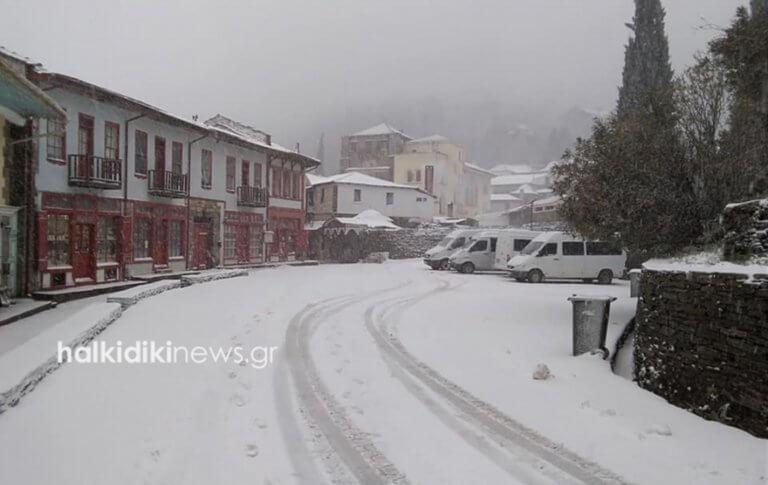 Καιρός: Αποκλεισμένο στα χιόνια το Άγιο Όρος – Το λευκό κυριαρχεί στις πανέμορφες εικόνες [pics]   Newsit.gr