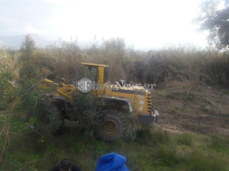 Σκάβουν στην κοίτη του ποταμού – Αγωνιώδεις έρευνες για την οικογένεια στη Μεσαρά   Newsit.gr