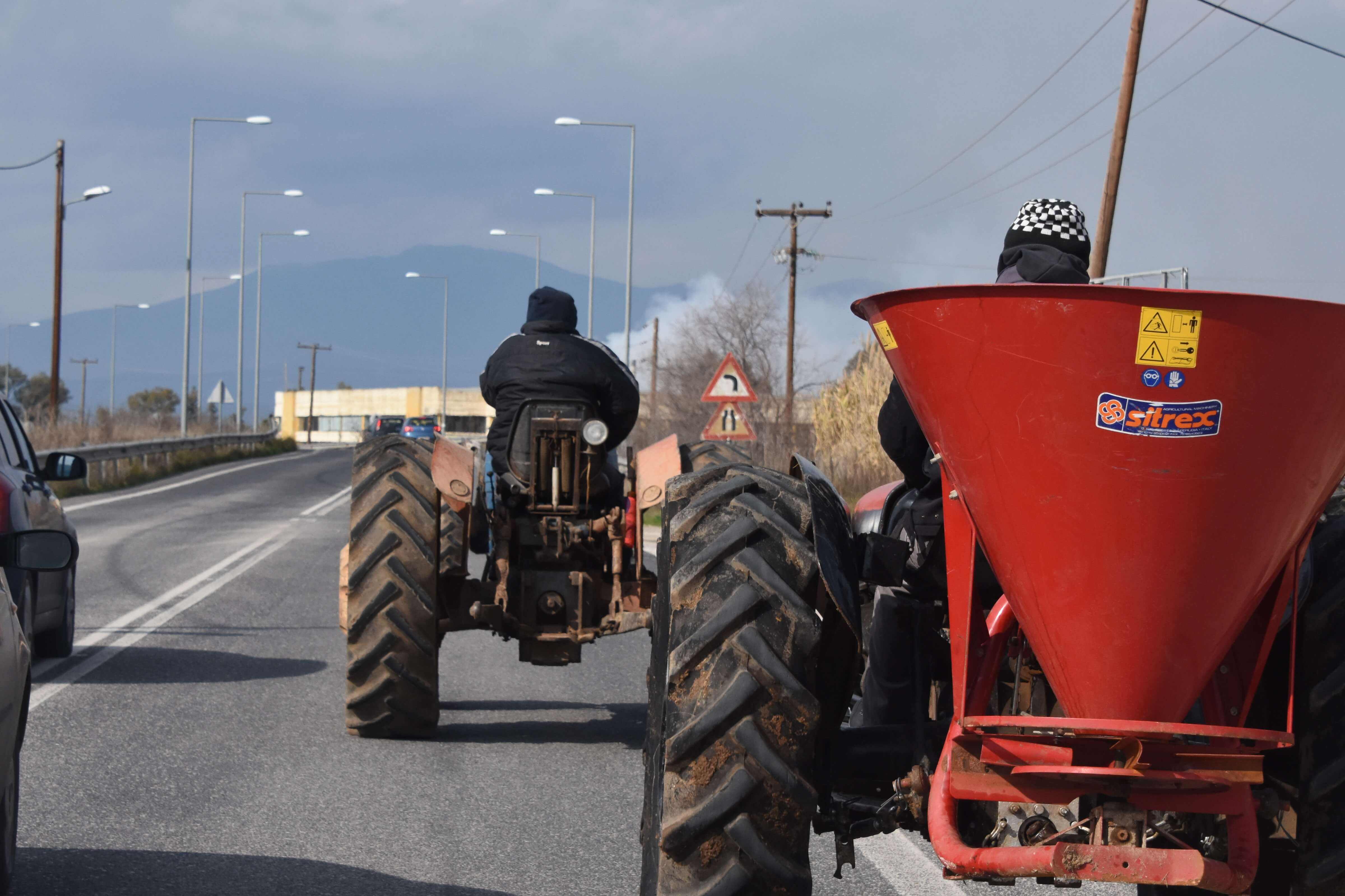 Λάρισα: Οι αγρότες απορρίπτουν τον διάλογο με την κυβέρνηση – Αποφασίζουν κλιμάκωση των κινητοποιήσεων!