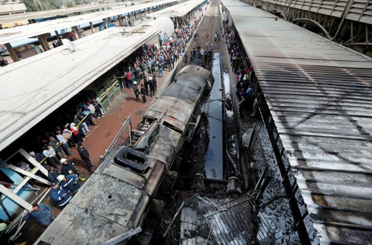 Κάιρο: 20 οι νεκροί στον σιδηροδρομικό σταθμό – Παραιτήθηκε ο υπουργός Μεταφορών – video | Newsit.gr
