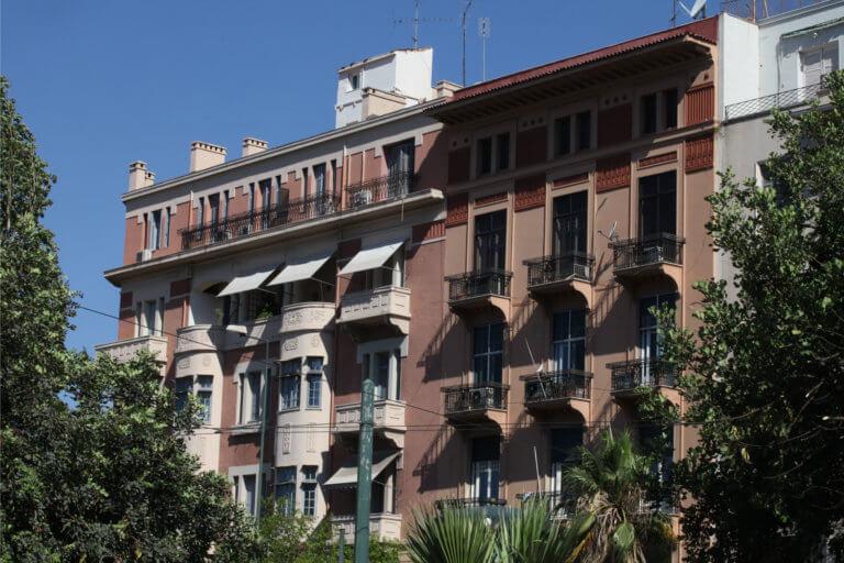 «Τρικλοποδιές» στην προστασία της πρώτης κατοικίας από δανειστές και τράπεζες | Newsit.gr