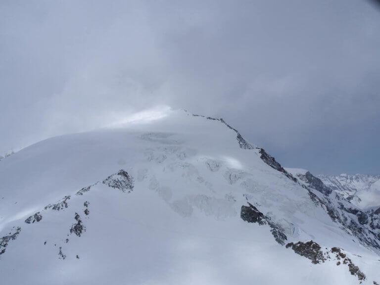 Άλπεις: Ένας νεκρός και δύο τραυματίες από χιονοστιβάδα | Newsit.gr