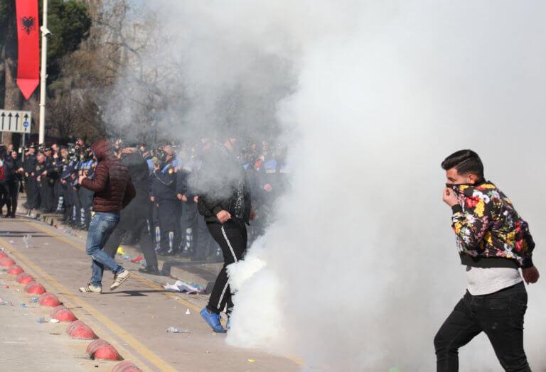Αλβανία: Νέο συλλαλητήριο στα Τίρανα – Φόβοι για σχέδιο εισβολής στην Βουλή | Newsit.gr