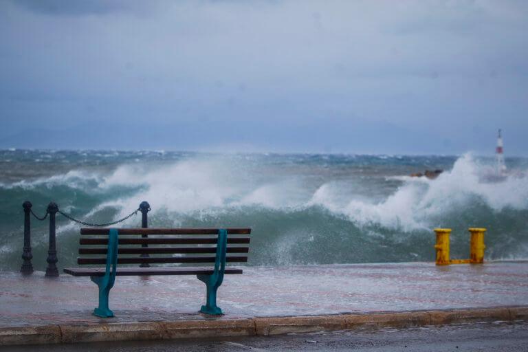Καιρός: Οδηγίες από την Πολιτική Προστασία για τους θυελλώδεις ανέμους | Newsit.gr