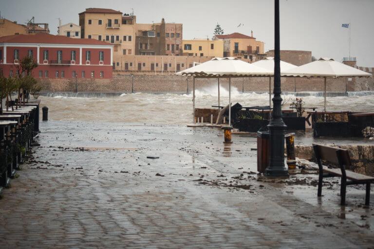 Χανιά: Καταγράφουν τις ζημιές της τελευταίας κακοκαιρίας | Newsit.gr