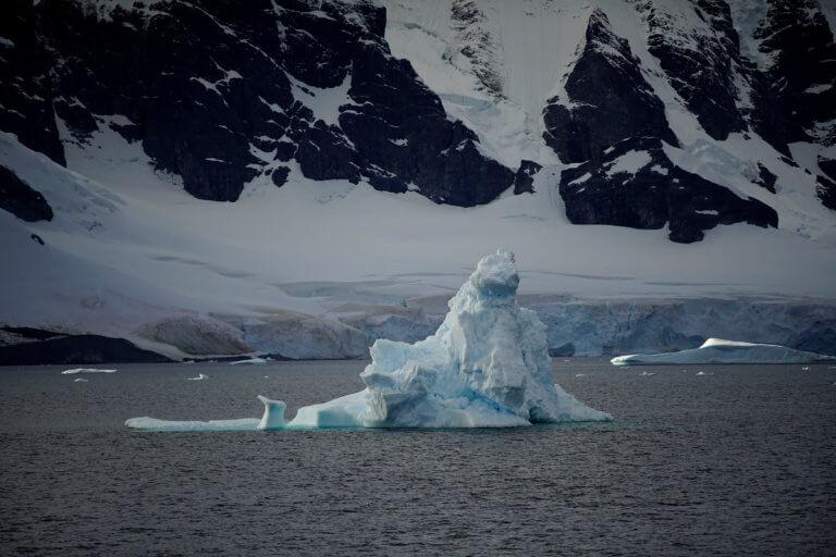 """Για """"κλιματικό χάος"""" μιλούν οι επιστήμονες από το λιώσιμο των πάγων"""