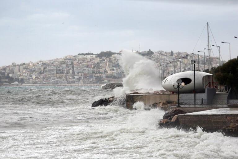 Ωκεανίς: Σε ισχύ το απαγορευτικό απόπλου – Έως 10 μποφόρ στα πελάγη! | Newsit.gr