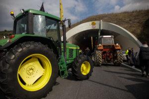 Τελεσίγραφο αγροτών στην κυβέρνηση! Διορία μέχρι το απόγευμα της Δευτέρας