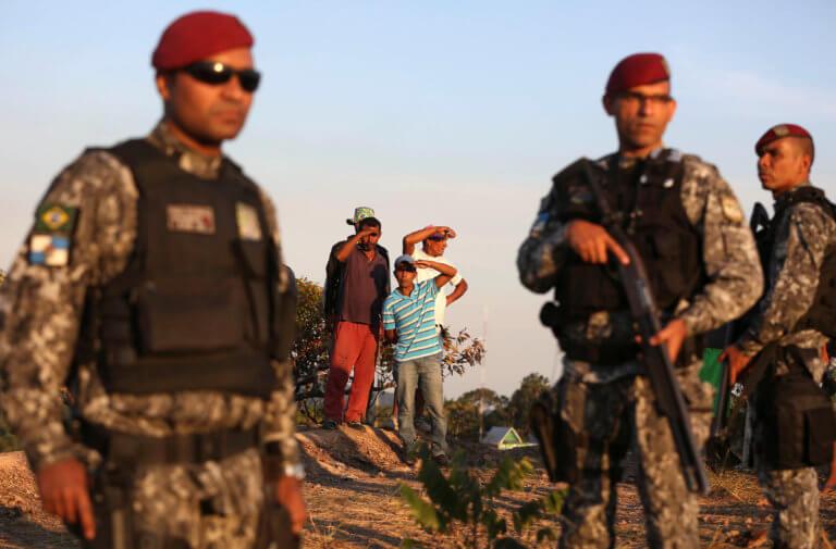 Οι ΗΠΑ μετακινούν στρατεύματα στο Πουέρτο Ρίκο και στην Κολομβία για να διώξουν το Μαδούρο