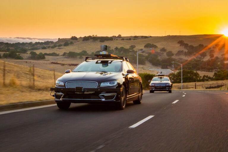 Η Amazon επενδύει στα αυτόνομα οχήματα μέσω της Aurora | Newsit.gr