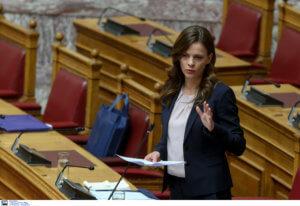 Αχτσιόγλου: Η ρύθμιση των 120 δόσεων θα προχωρήσει κανονικά