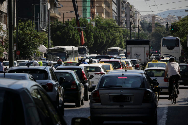 Αθάνατη… Ελλάδα! Πήραν δίπλωμα οδήγησης χωρίς να δώσουν εξετάσεις