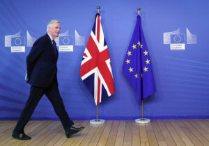 Μπαρνιέ για Brexit: «Τικ – τοκ»