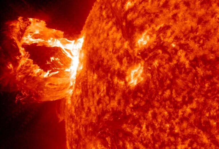 Δέος! Αστρική έκλαμψη «μαμούθ» – «Είδαμε» το φως 1.500 χρόνια μετά! | Newsit.gr