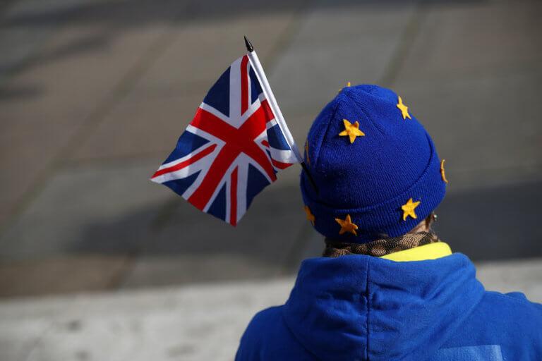 Brexit: Βρετανοί και Ευρωπαίοι πολίτες ζητούν σεβασμό στα δικαιώματά τους