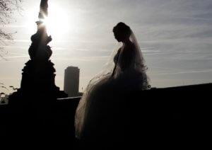 Ο γάμος κράτησε μόνο… τρία λεπτά! Τον χώρισε με το που βγήκαν από την αίθουσα!