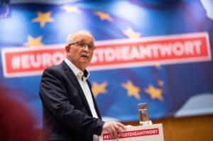 Ευρωκόντρα Μπούλμαν – Βέμπερ για την Ελλάδα