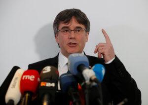 Καταλονία: «Πυρά» Πουτζντεμόν για την δίκη των 12 καταλανών πολιτικών ηγετών
