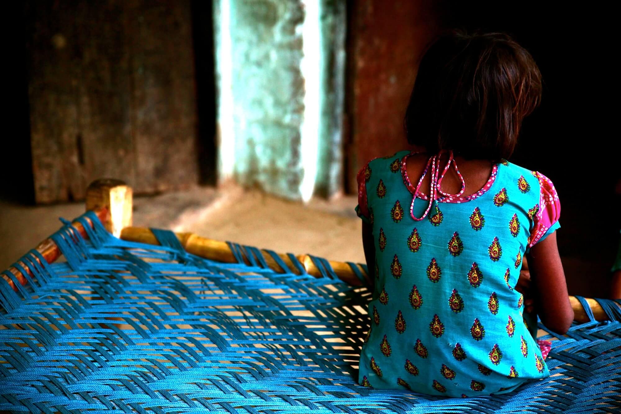 Ινδία: Ισόβια σε τρεις για τον ομαδικό βιασμό και τη φρικτή δολοφονία 8χρονης