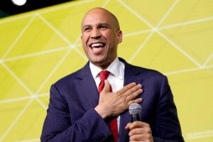 Γνωστός γερουσιαστής βάζει υποψηφιότητα για πρόεδρος των ΗΠΑ